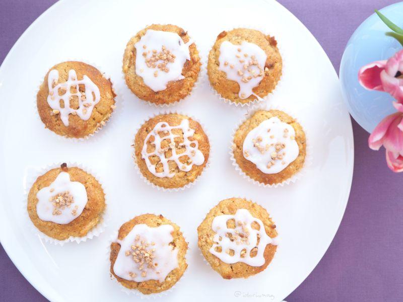1 Schüssel – 12 Muffins: Saftige Karotten Apfel Nuss Muffins