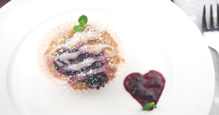 Kleine süße Vegane Apfel – Nuss Muffins gefüllt mit Marmelade
