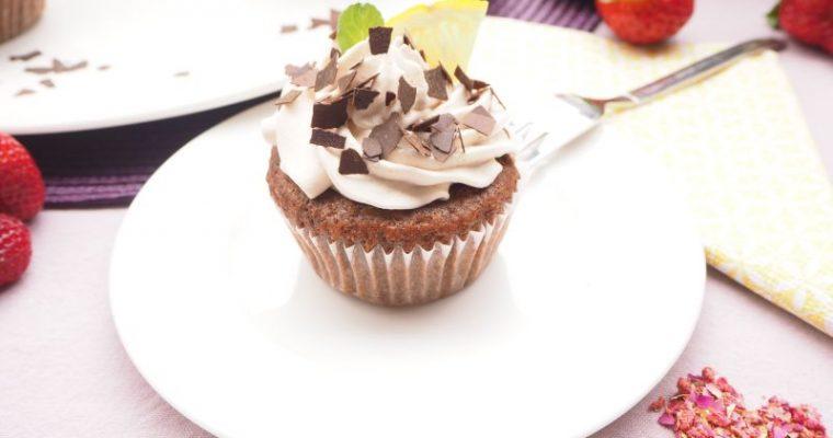 Haselnuß Schokolade Cupcakes mit Erdbeer Füllung