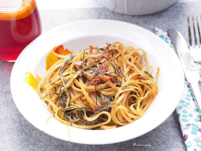 Marktfrisch - Veganes Rezept für Spaghetti mit Mönchsbart, Tomaten und Morcheln