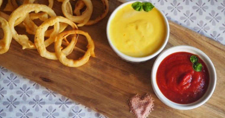 Für eine gemütlichen Abend daheim – Zwiebelringe mit 2 Dips