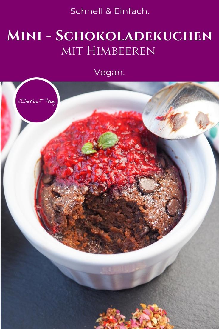 Vegane Mini Schokoladekuchen / Tassenkuchen mit Himbeer Sosse