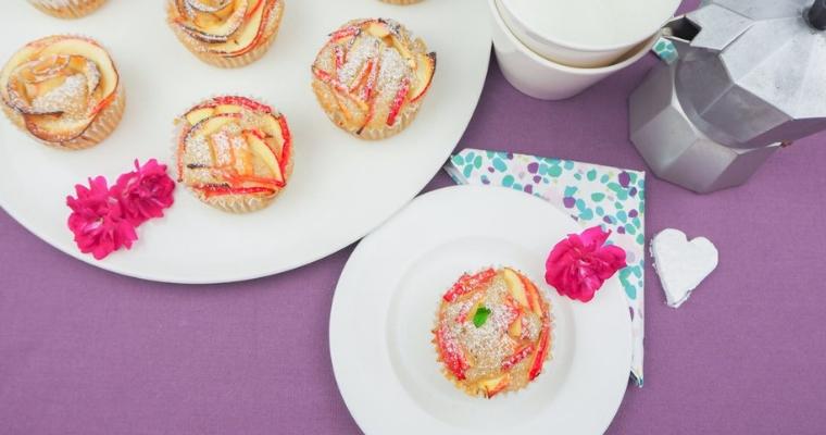 Kleine süße fruchtige Apfel Zimt Muffins