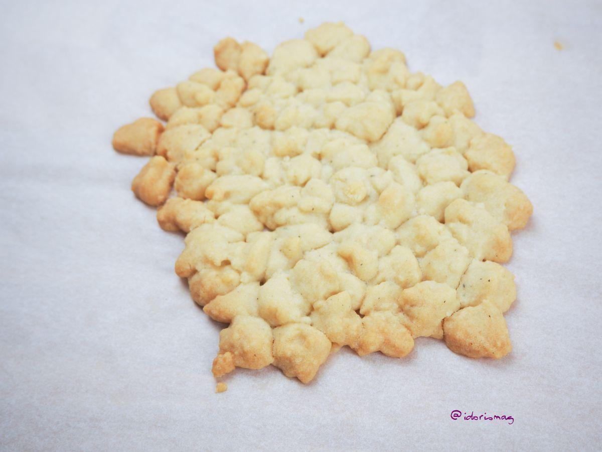 Veganes Maracuja Sahne Dessert im Glas - mit Keksen / Keksboden / Streuseln