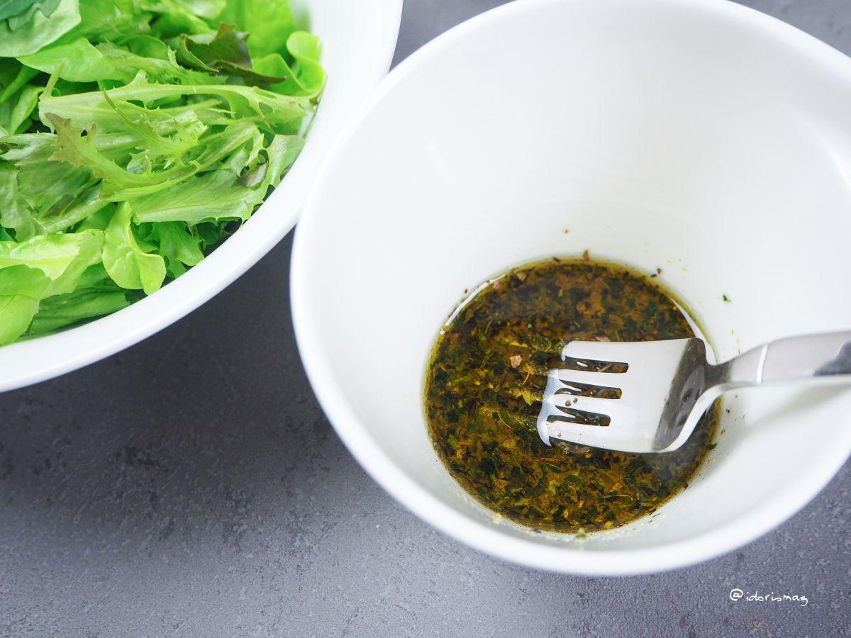 Spinatknödel mit Salat