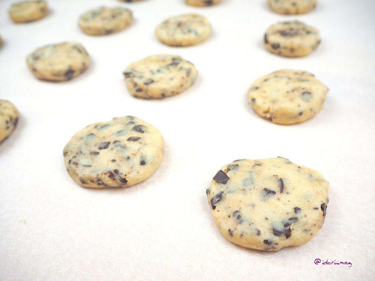 Vegan Vanilla Chocolate Chunk Cookies - Vegan Recipe - Plant-based Recipe