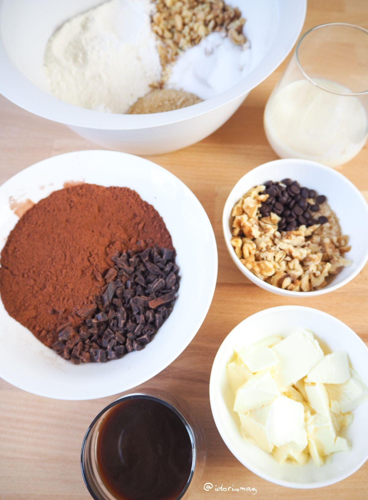 Veganer Schokolade Nuss Kuchen