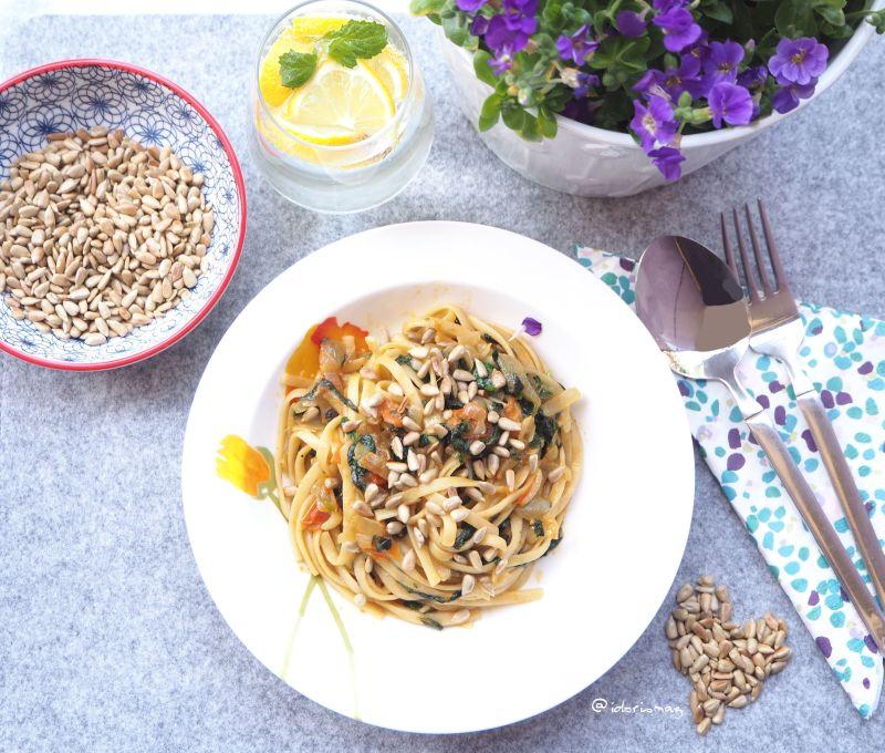 Vegane Spaghetti mit Mönchsbart / Agretti, Morcheln, Tomaten