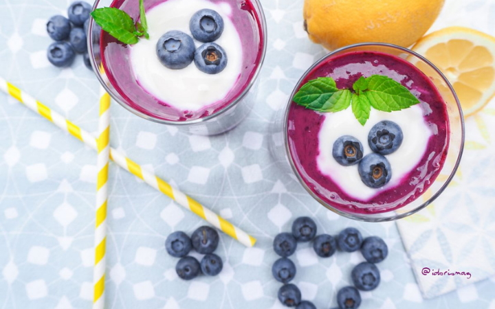 Vegan Breakfast Smoothie Recipe - Blueberries, Banana & Oats