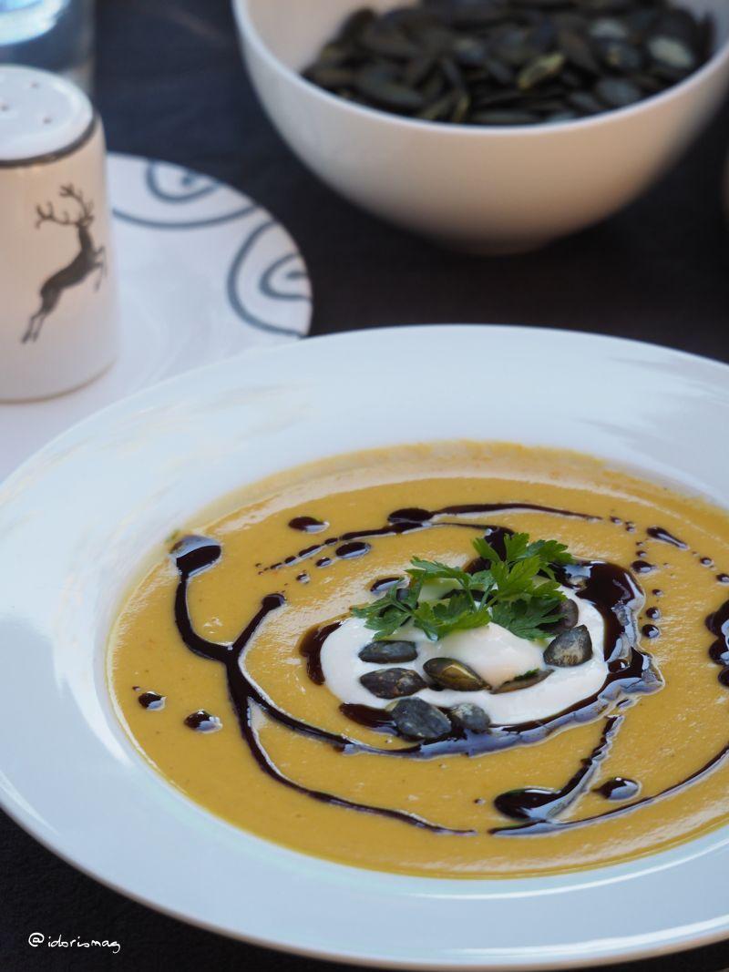 die beste k rbis suppe mit kokosmilch und linsen. Black Bedroom Furniture Sets. Home Design Ideas