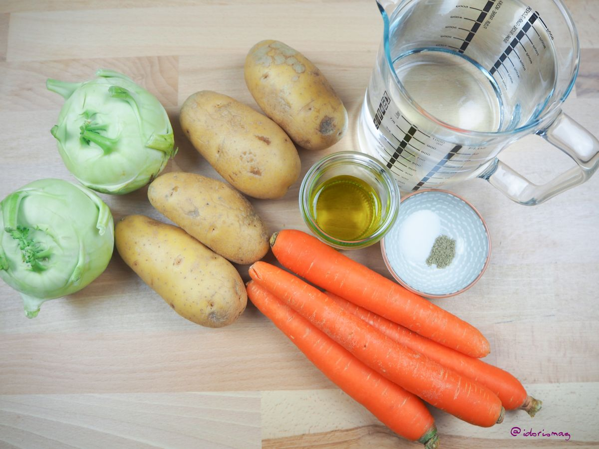 Vegan Kohlrabi Vegetable Soup - with carrots & potatoes - Plantbased Recipe