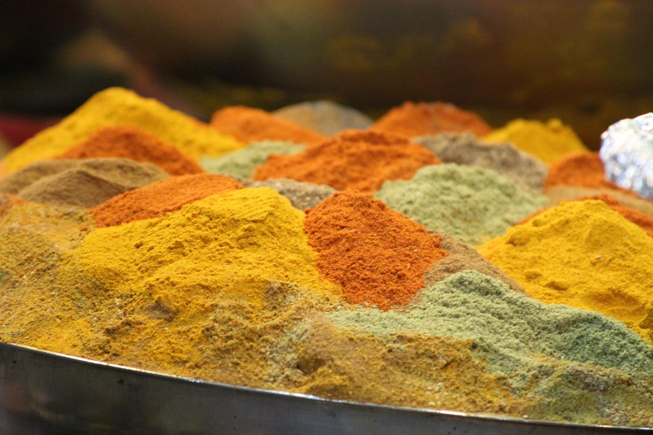 Vorratsschrank Currypulver