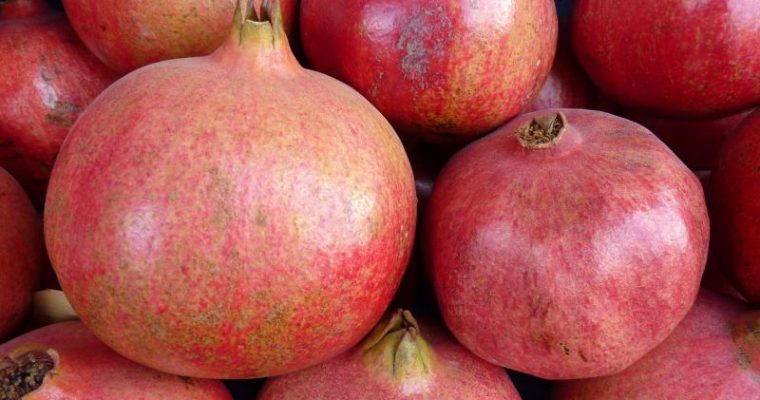 Granatapfel – Ohne Sauerei: Rasch und einfach entkernen
